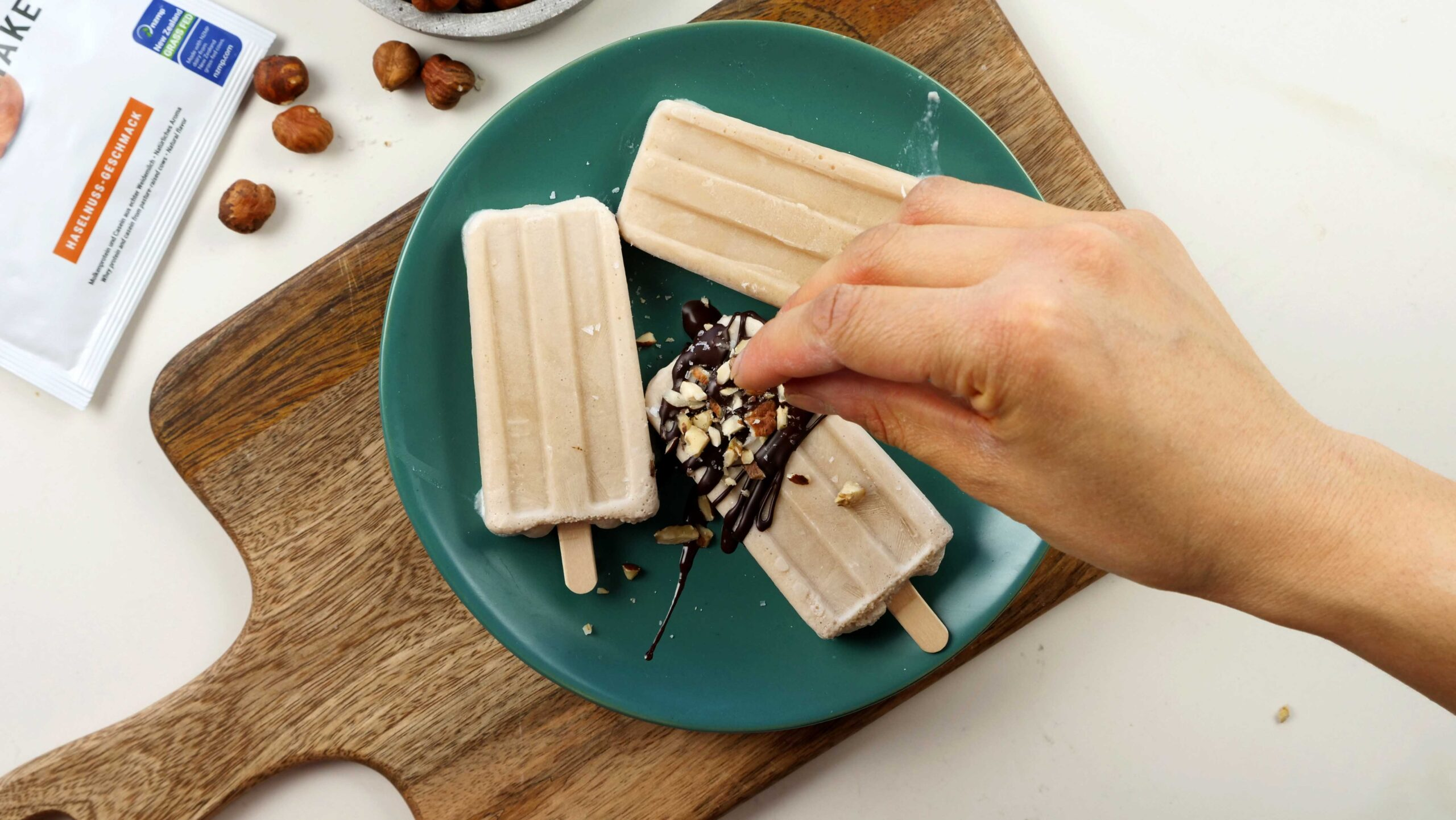 Haselnuss Protein Popsicles
